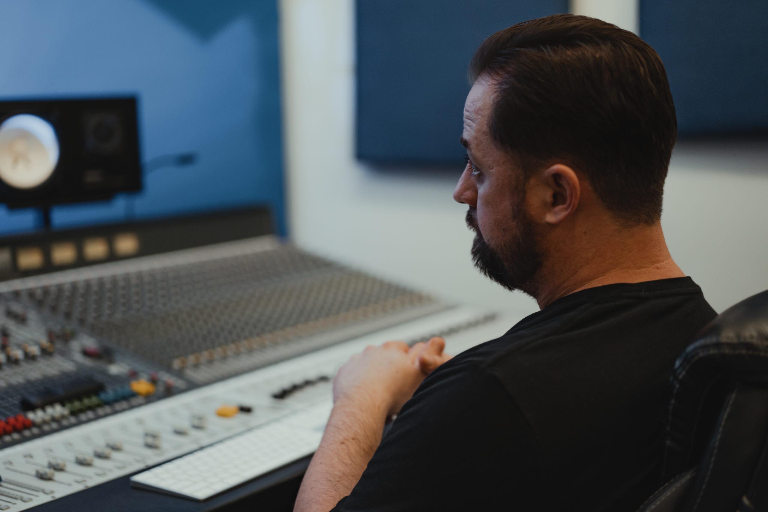 videoshoot at becon studio using green screen